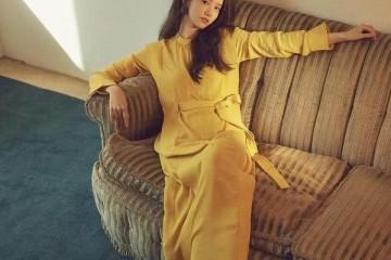 林允儿十年不变时刻对她很友善她的减龄时髦穿搭很值得学习