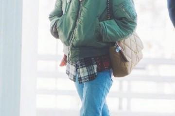 权志龙退役后总算经营啦机场张狂穿搭吸睛很多