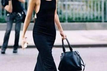 百褶裙不吃香了本年超火的一种裙子叫小黑裙穿出去美炸街